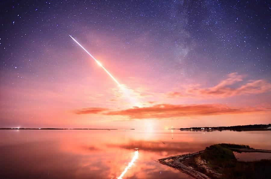 JeffBerkes5334_NASA-LADEE-Launch-sept2013APOD900px