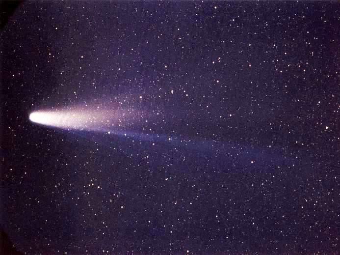 Cometa Halley, es el prototipo de los cometas tipo Halley (período corto), que se cree que se originaron en la nube de Oort.