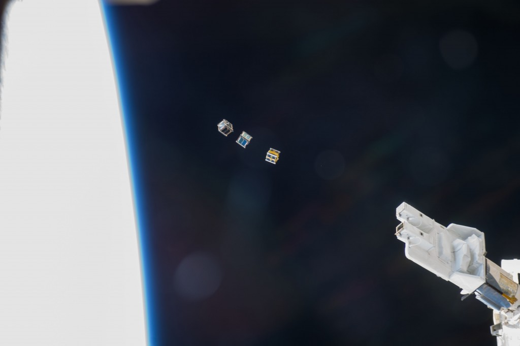 cubesats_iss038_2832