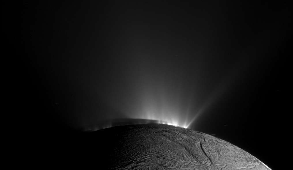enceladusshadow_cassini_1016